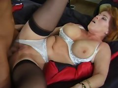 Sexy Mom Kira Enjoys A Well Deserved DP