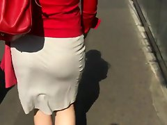 Candid Sexy Ass in Skirt