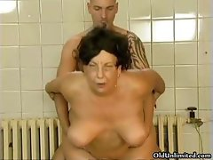 Horny old mom loves getting fucked part2