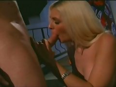 Horny blonde slut get hard fucked by a muscle man !