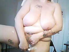 plumper stepmom shaving