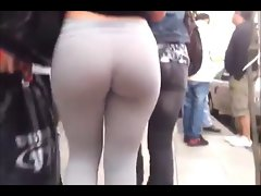 AMAZING street spandex ass! WOW